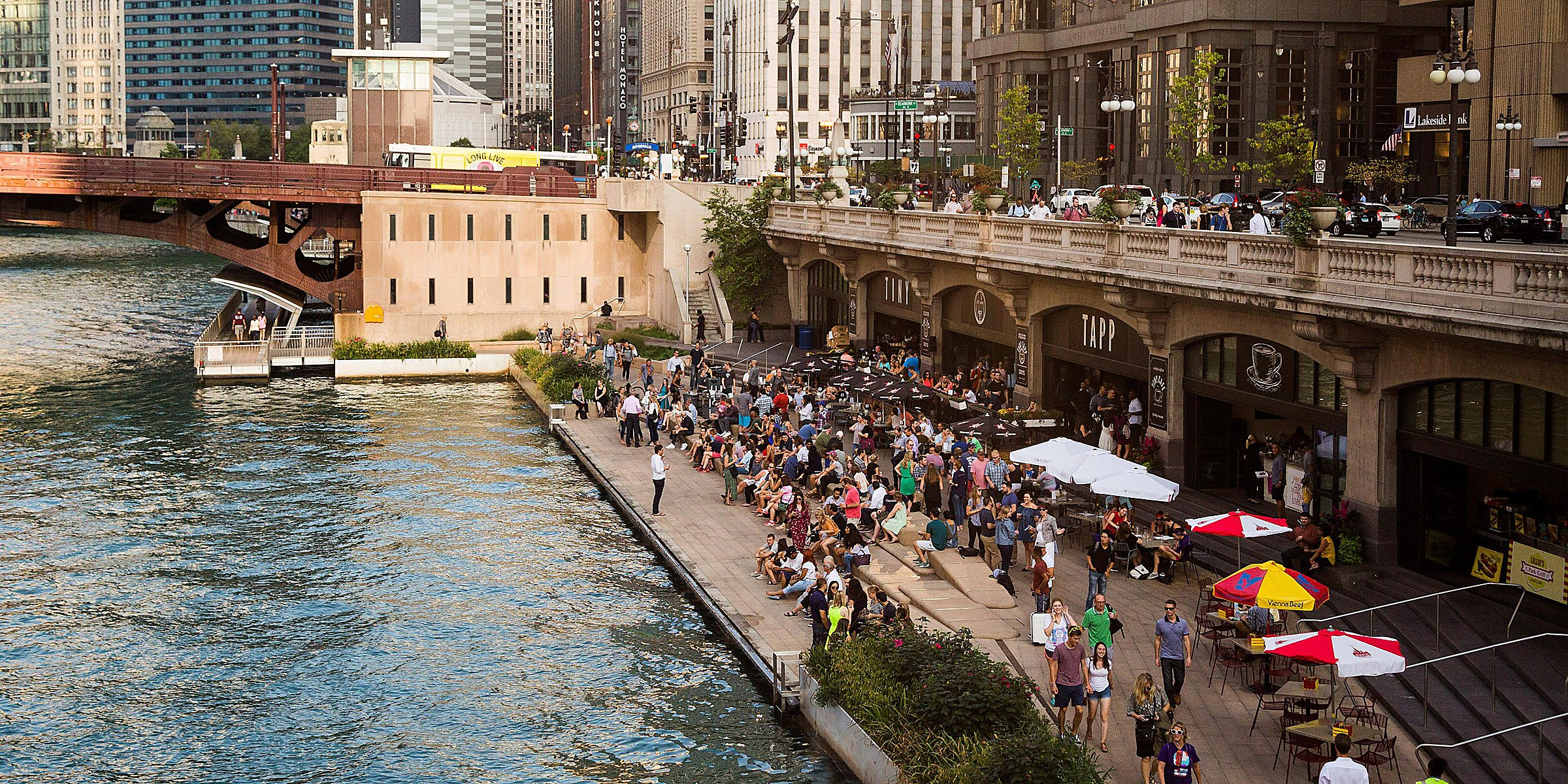Chicago River North Hotels Downtown Holiday Inn Chicago