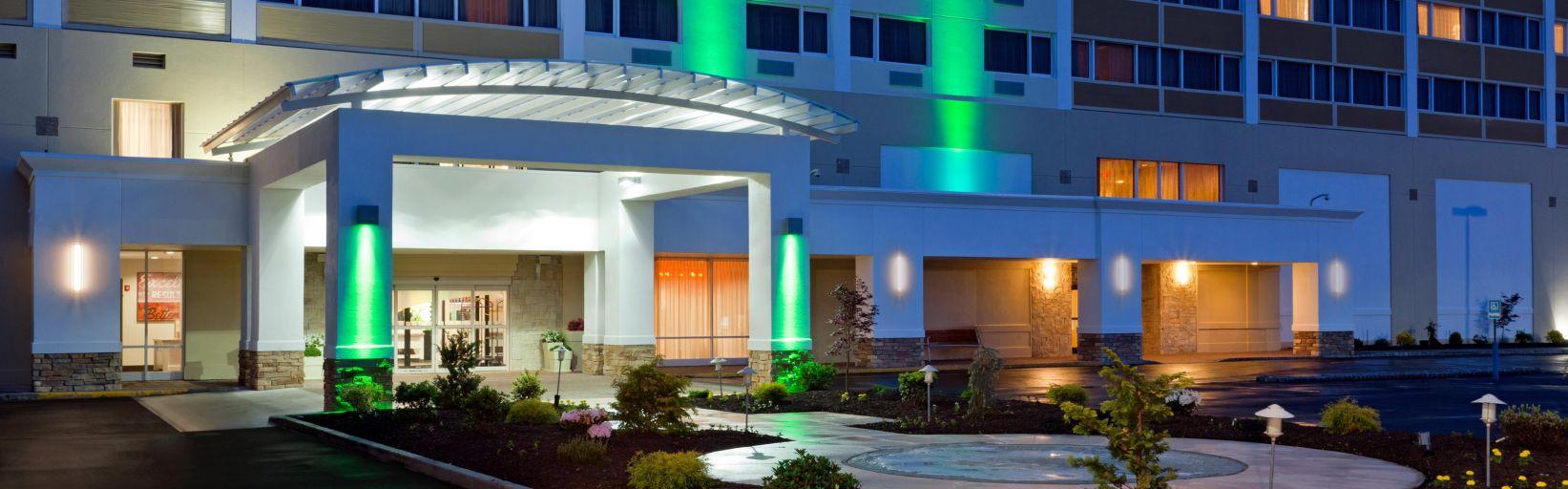 Holiday Inn Clark Near Woodbridge Nj Kean University Hotel