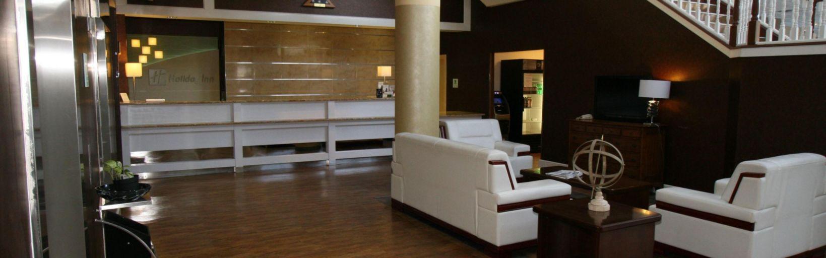 Front Desk Holiday Inn Clinton Hotel