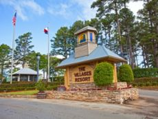 Holiday Inn Club Vacations Villages Resort in Jacksonville, Texas