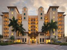 Holiday Inn Club Vacations Sunset Cove Resort in Naples, Florida