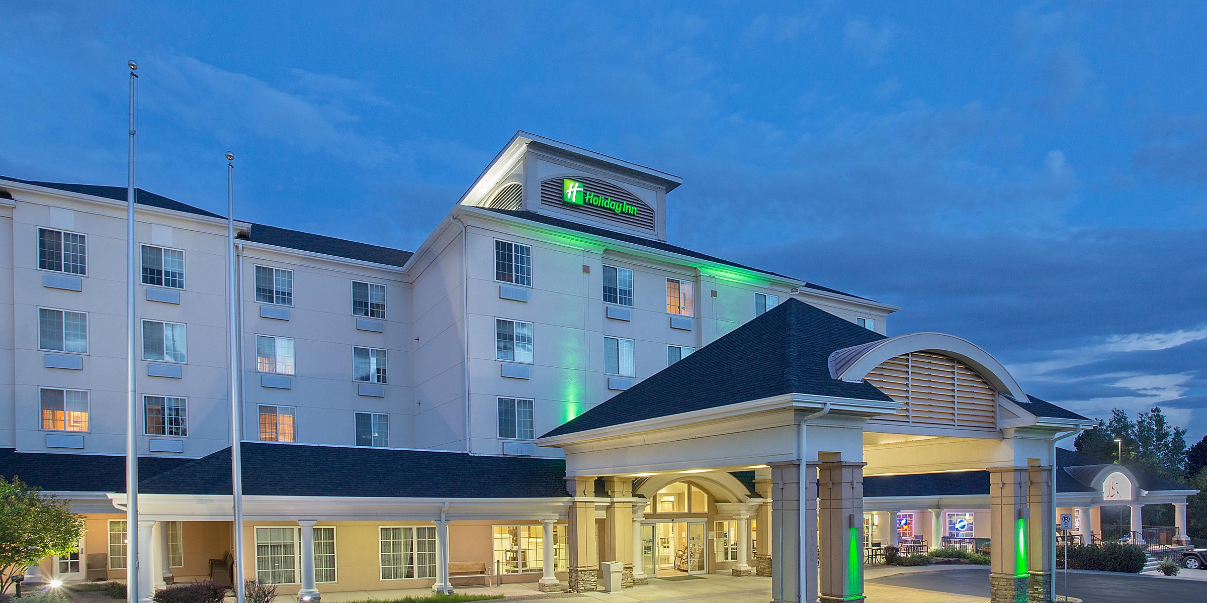 Colorado Springs Christmas 2019.Hotels In Downtown Colorado Springs Near Airport Holiday
