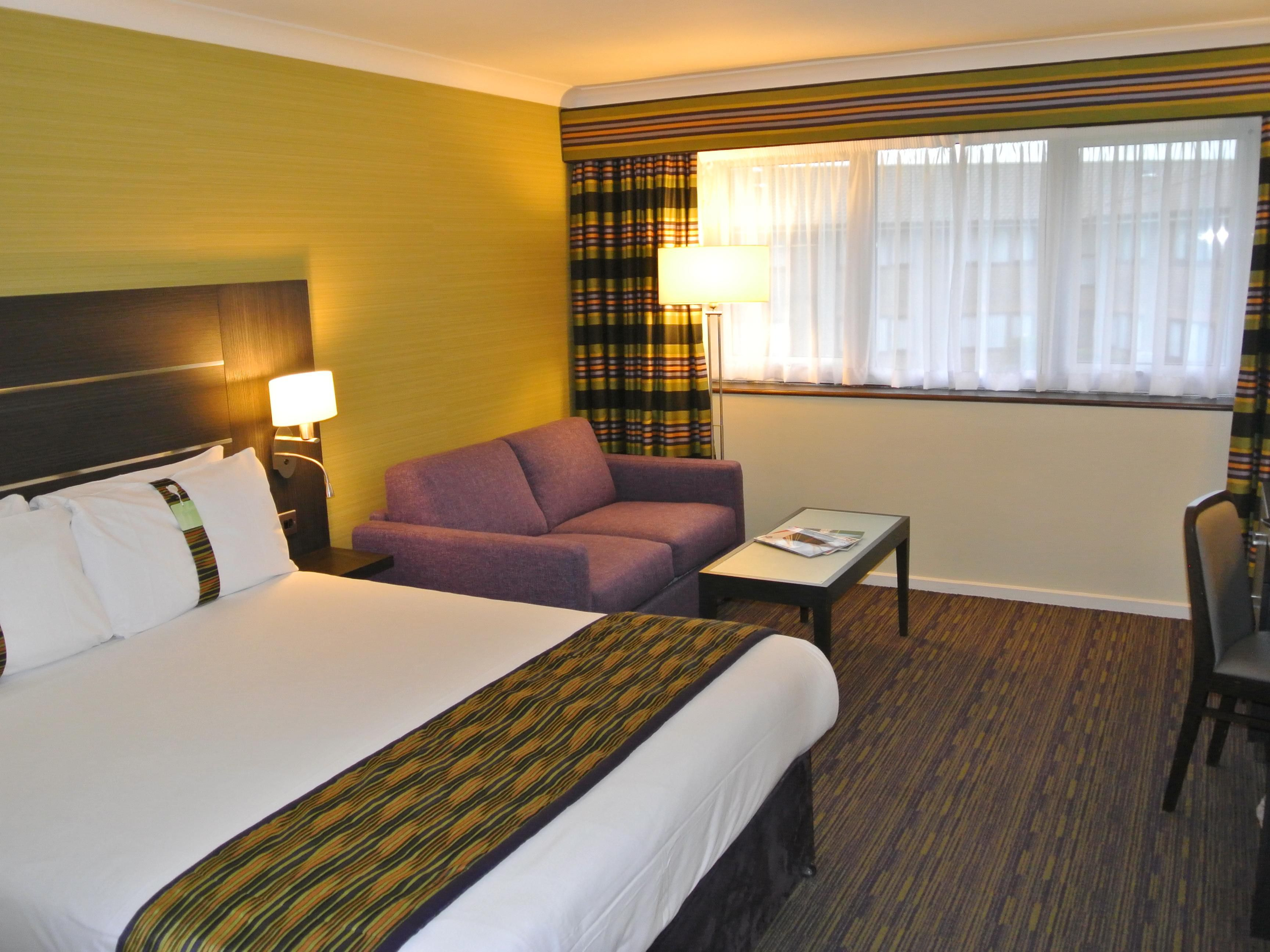 Modernised family room at the Holiday Inn London Gatwick Worth
