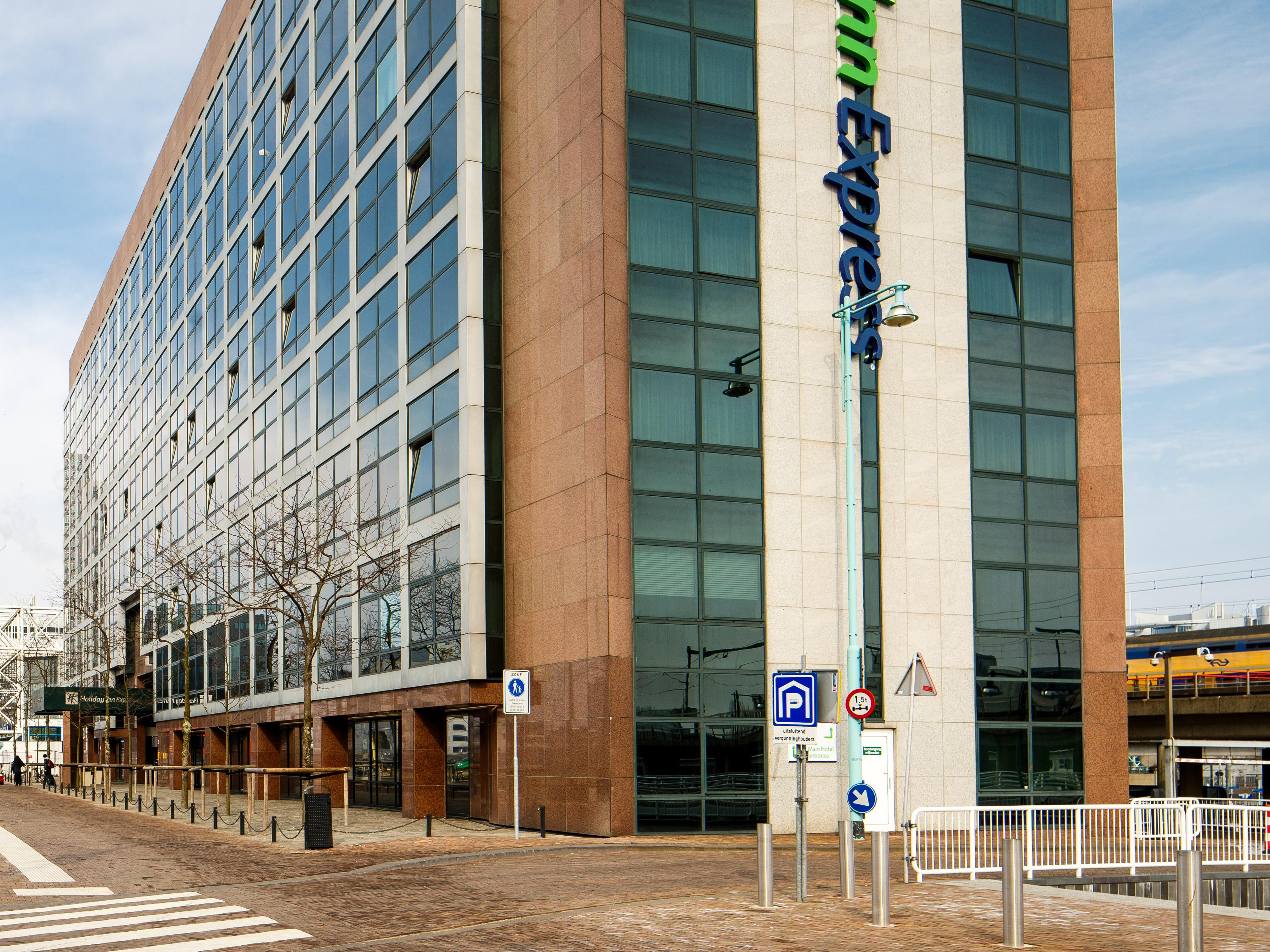 Exterior view of our hotel near Amsterdam Sloterdijk Station