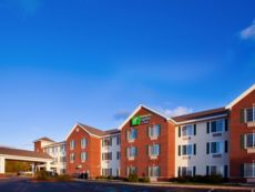 Holiday Inn Express & Suites Acme-Traverse City in Acme, Michigan