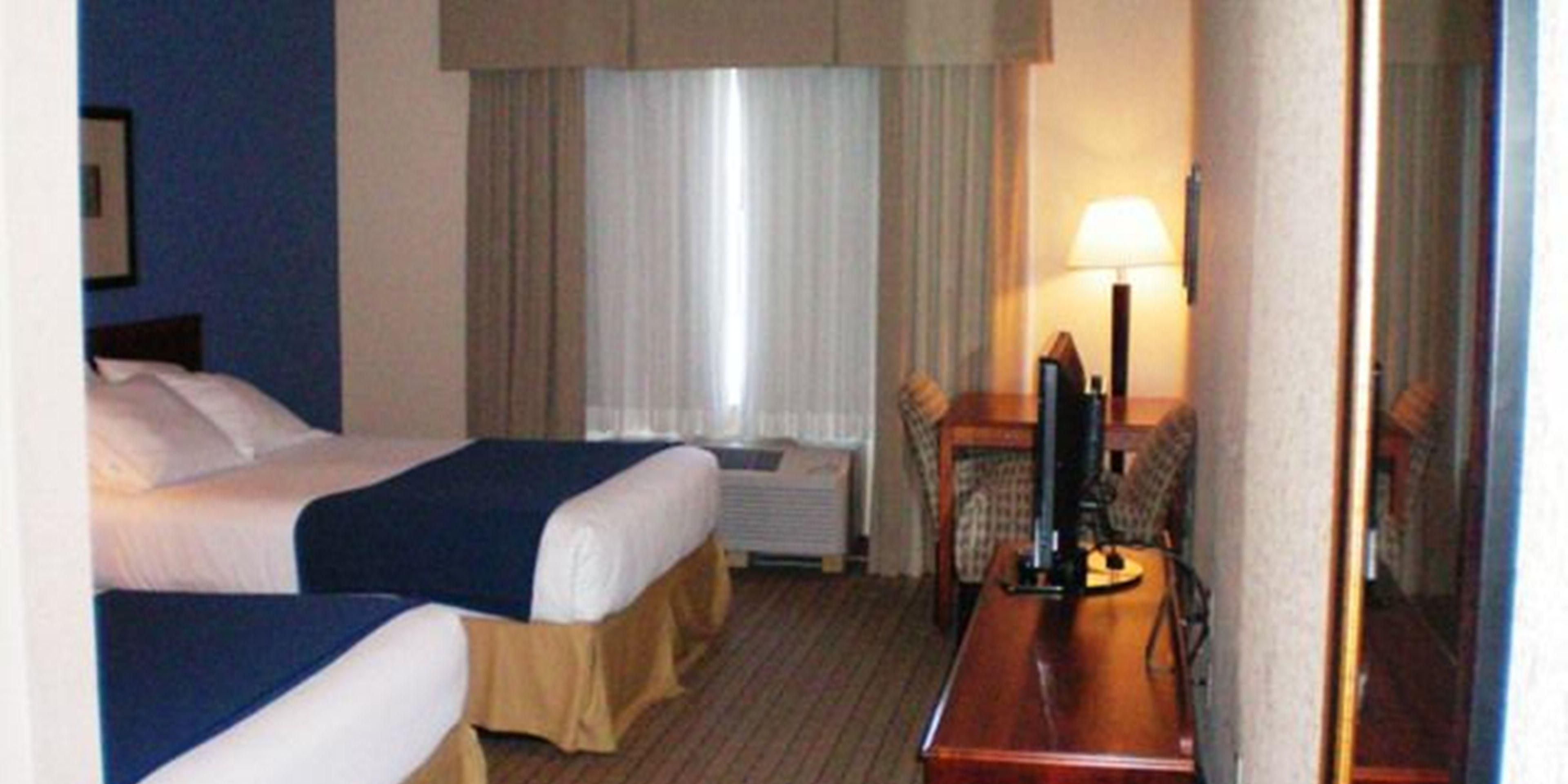 Holiday Inn Express And Suites Acme 4391048413 2x1