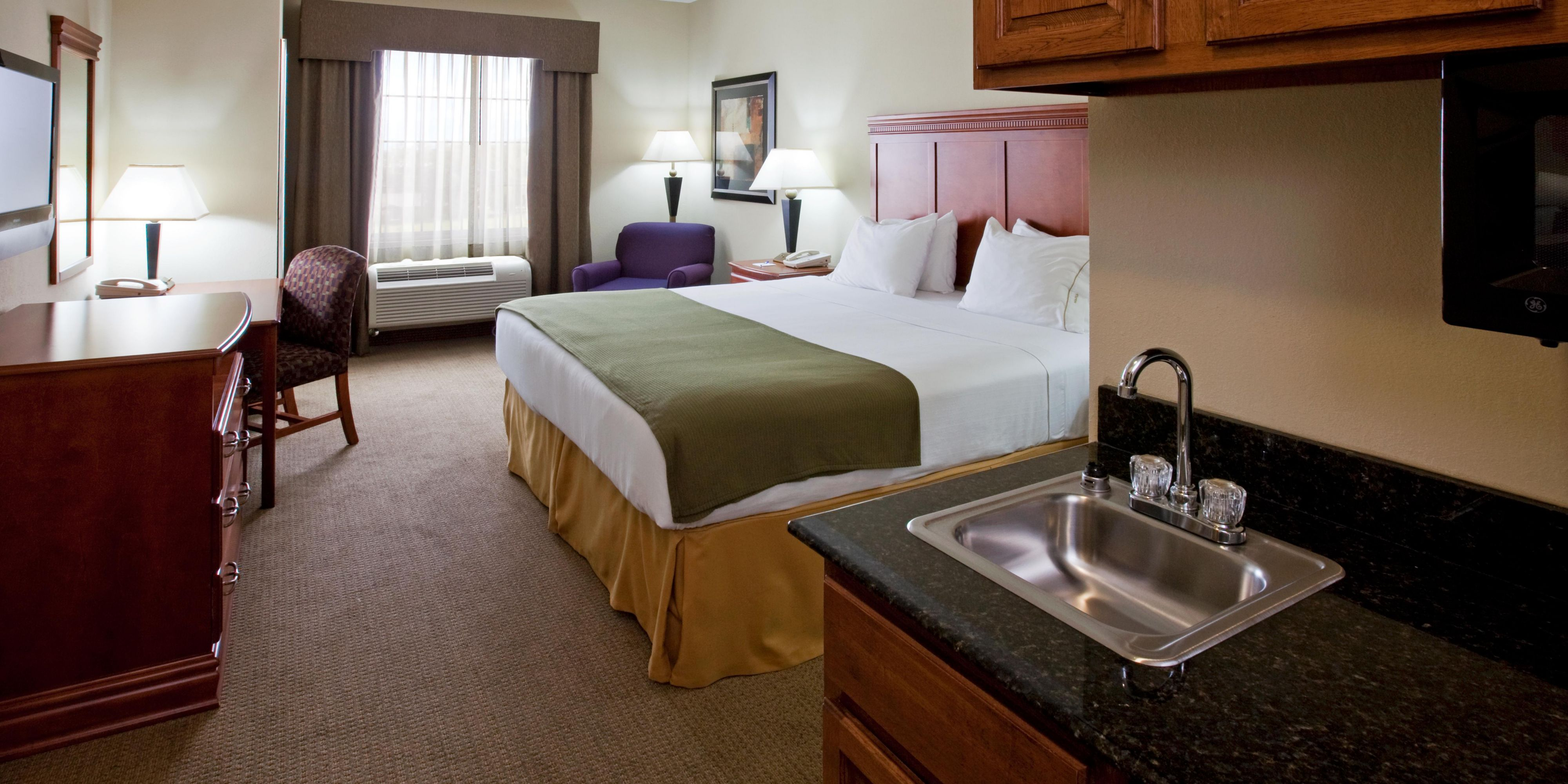 Holiday Inn Express And Suites Ada 2531925846 2x1