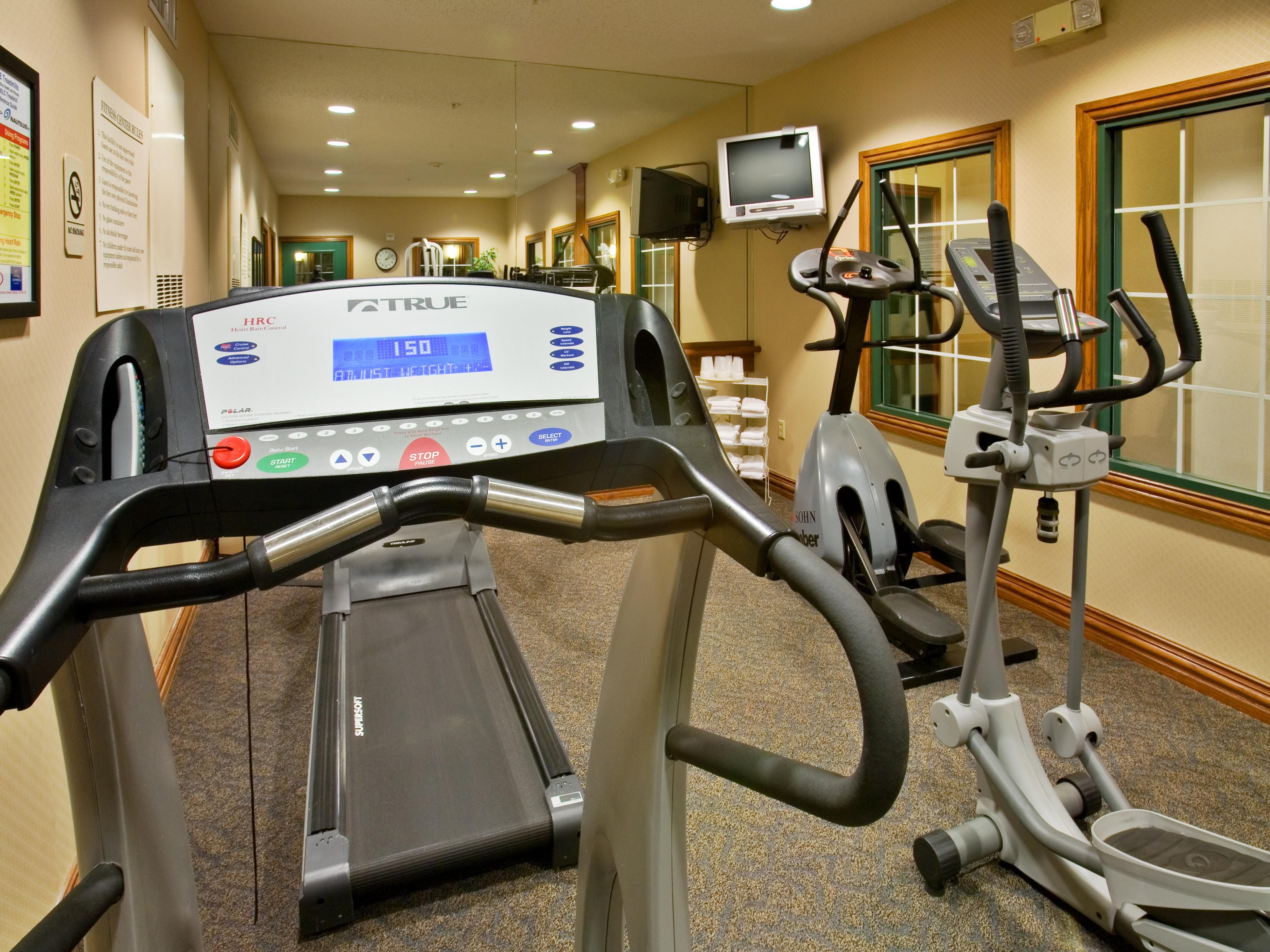 Holiday Inn Express Addison Fitness Center