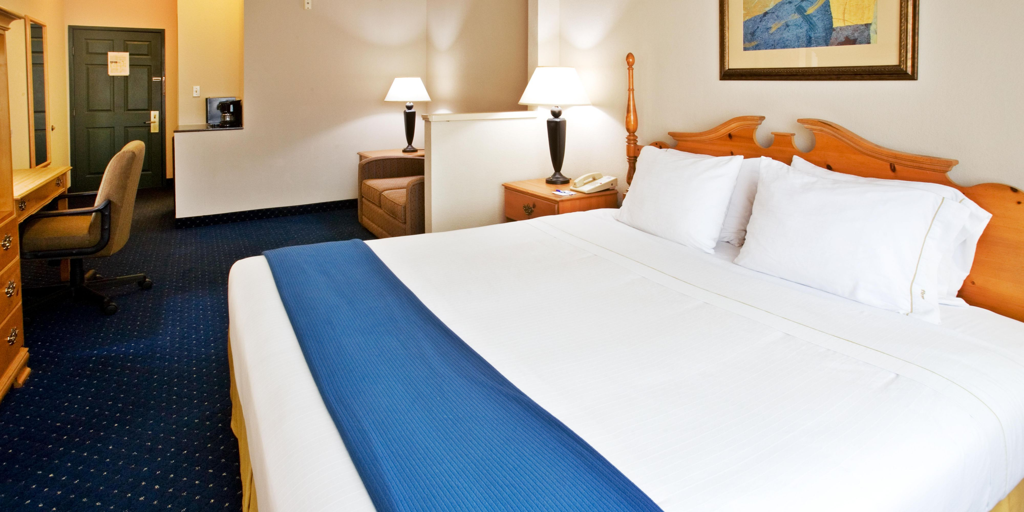 Holiday Inn Express And Suites Addison 4172531972 2x1