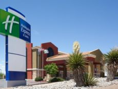 Holiday Inn Express & Suites Albuquerque-N. Balloon Fsta Pk in Bernalillo, New Mexico