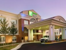 Holiday Inn Express & Suites Alexandria - Fort Belvoir in Camp Springs, Maryland