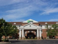 Holiday Inn Express & Suites Chicago-Algonquin in Crystal Lake, Illinois