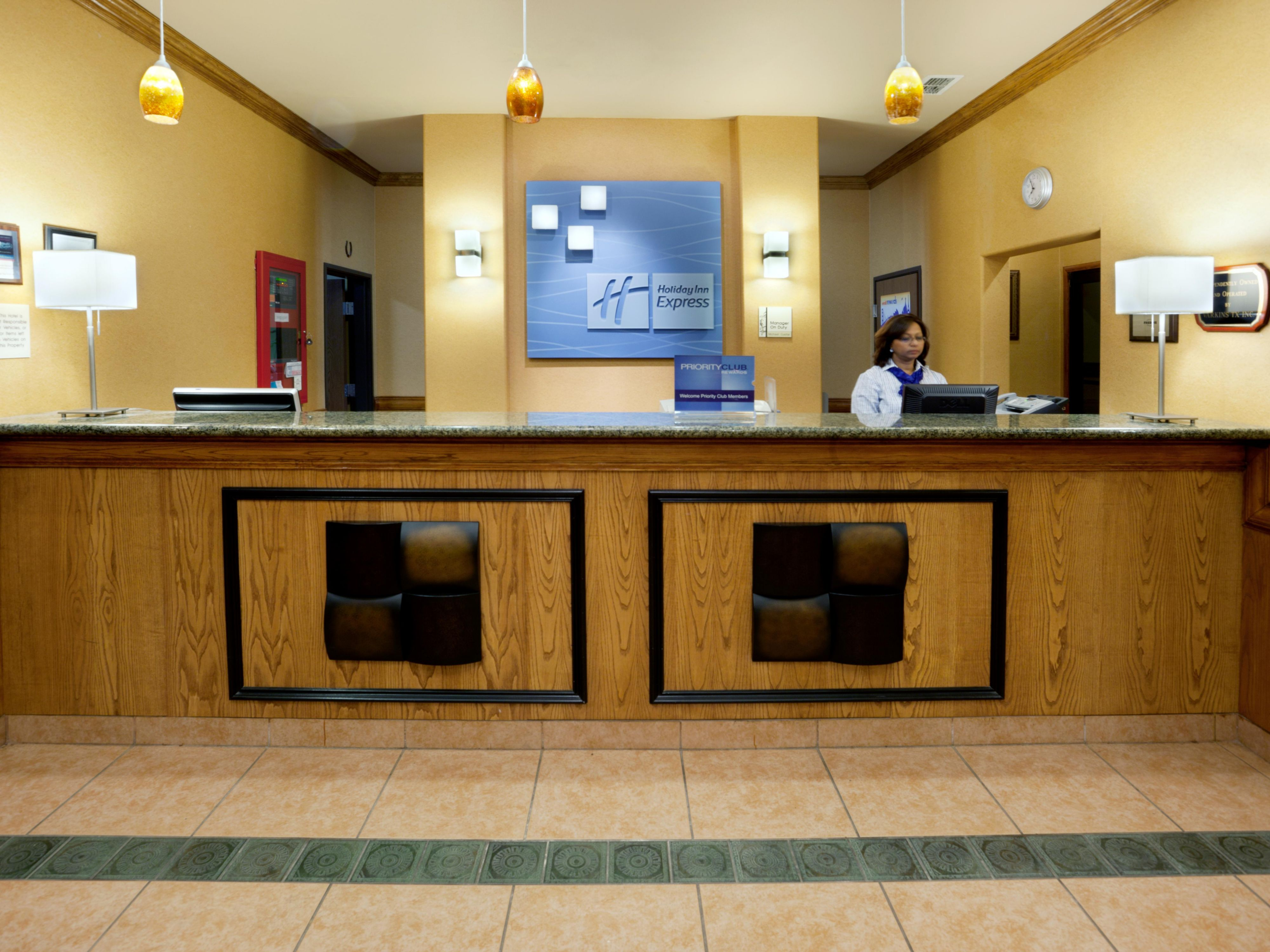 Holiday Inn Express Alice Front Desk