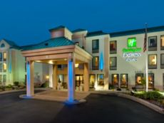 Holiday Inn Express & Suites Allentown Cen - Dorneyville in Quakertown, Pennsylvania