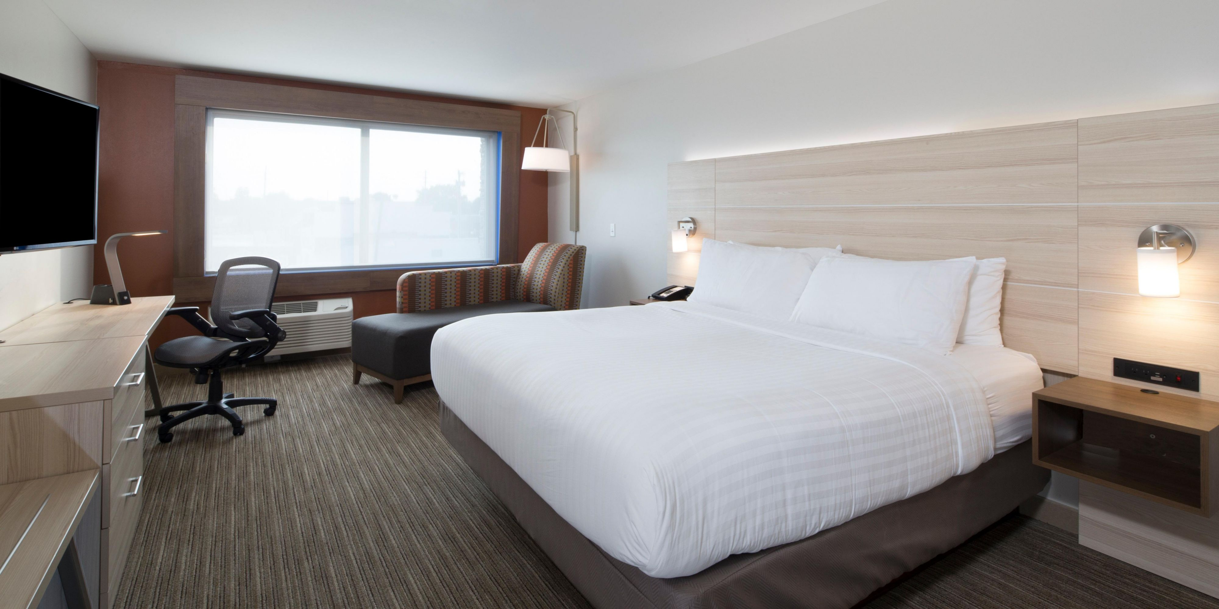 Holiday Inn Express & Suites Alpena Downtown Hotel by IHG