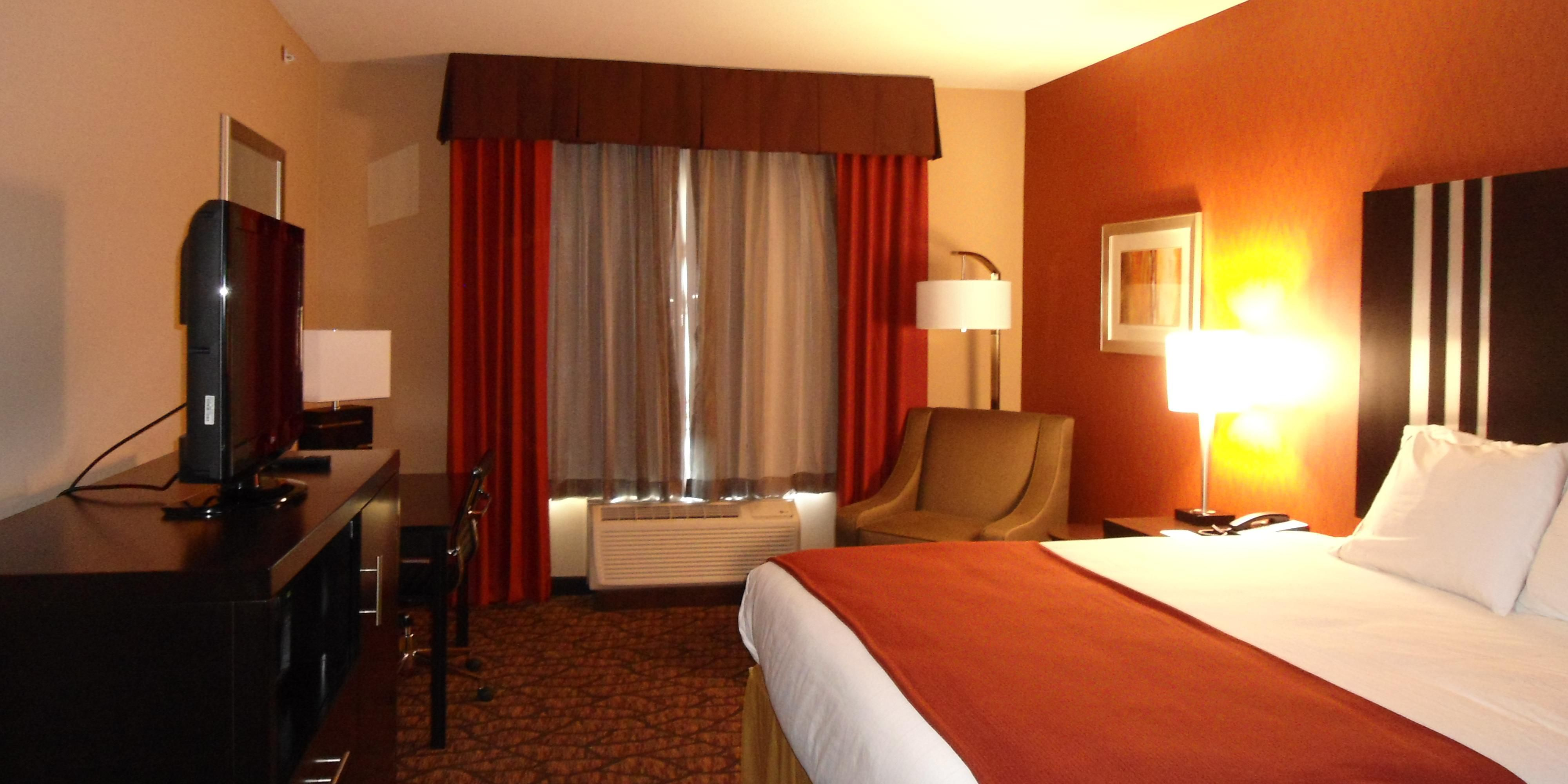 Holiday Inn Express And Suites Alpine 2533075657 2x1