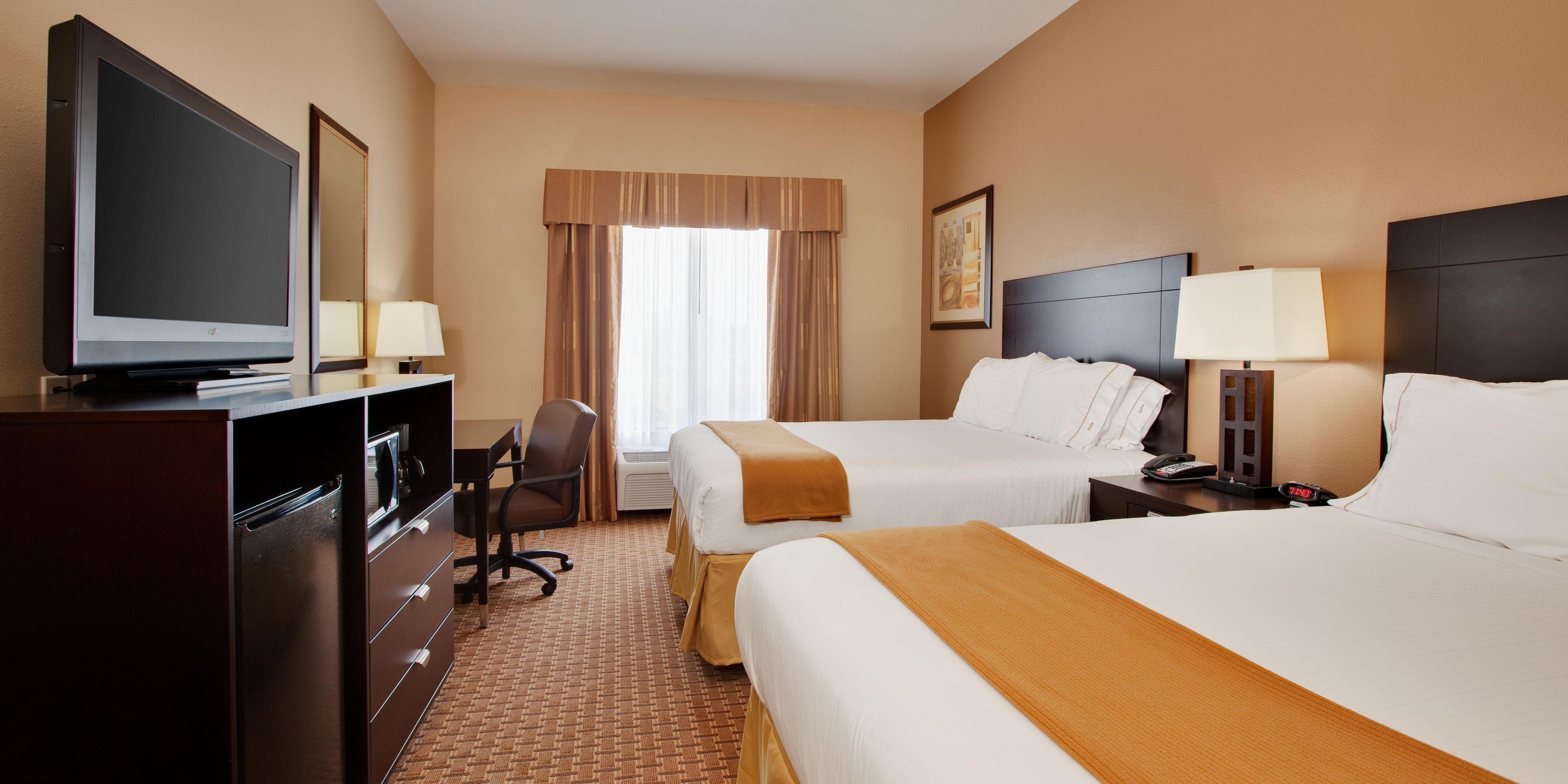 Holiday Inn Express And Suites Alvin 2532818589 2x1