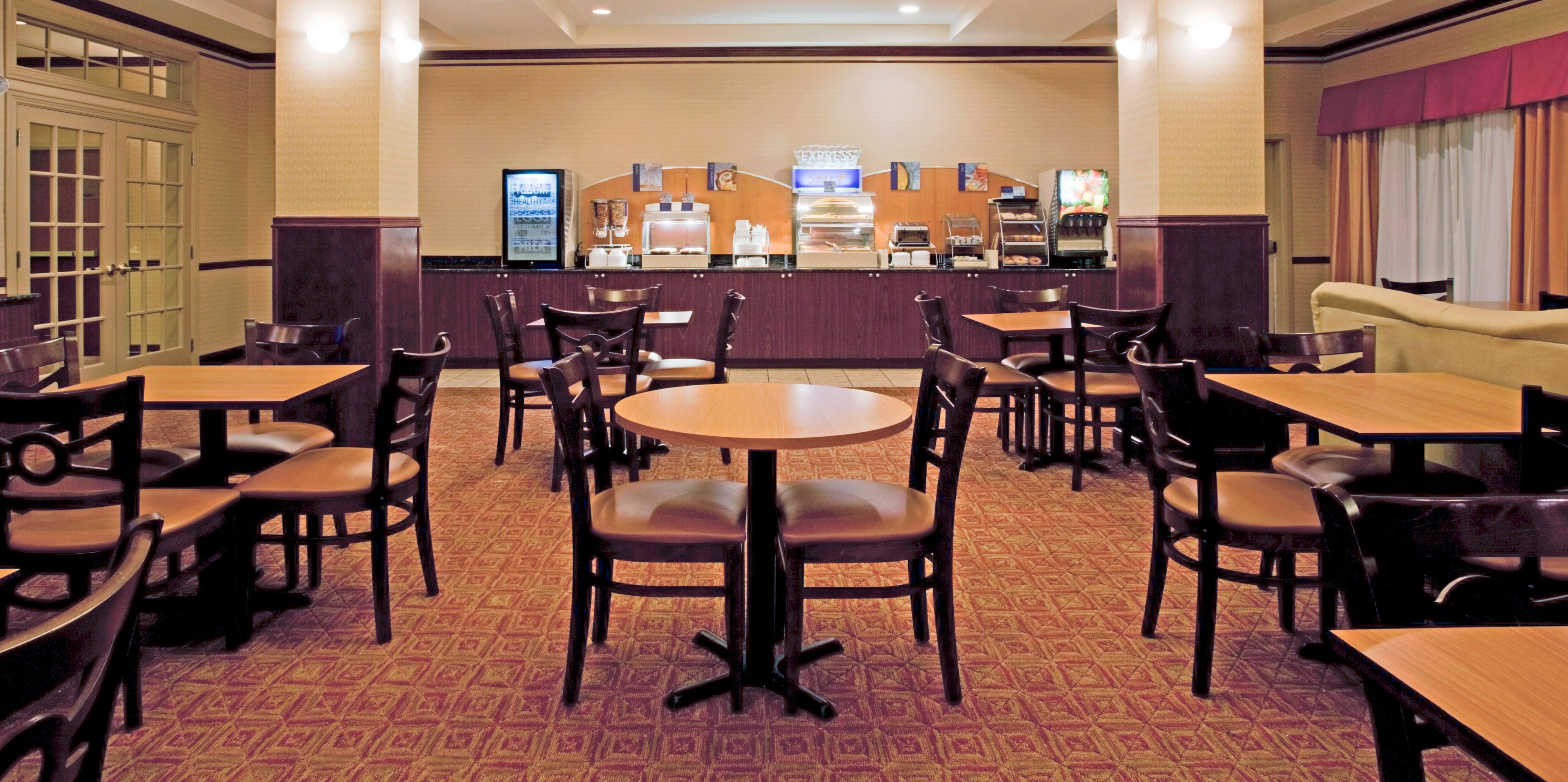 Holiday Inn Express And Suites Amarillo 2532356475 2x1