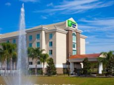 Holiday Inn Express & Suites Orlando - Apopka in Tavares, Florida