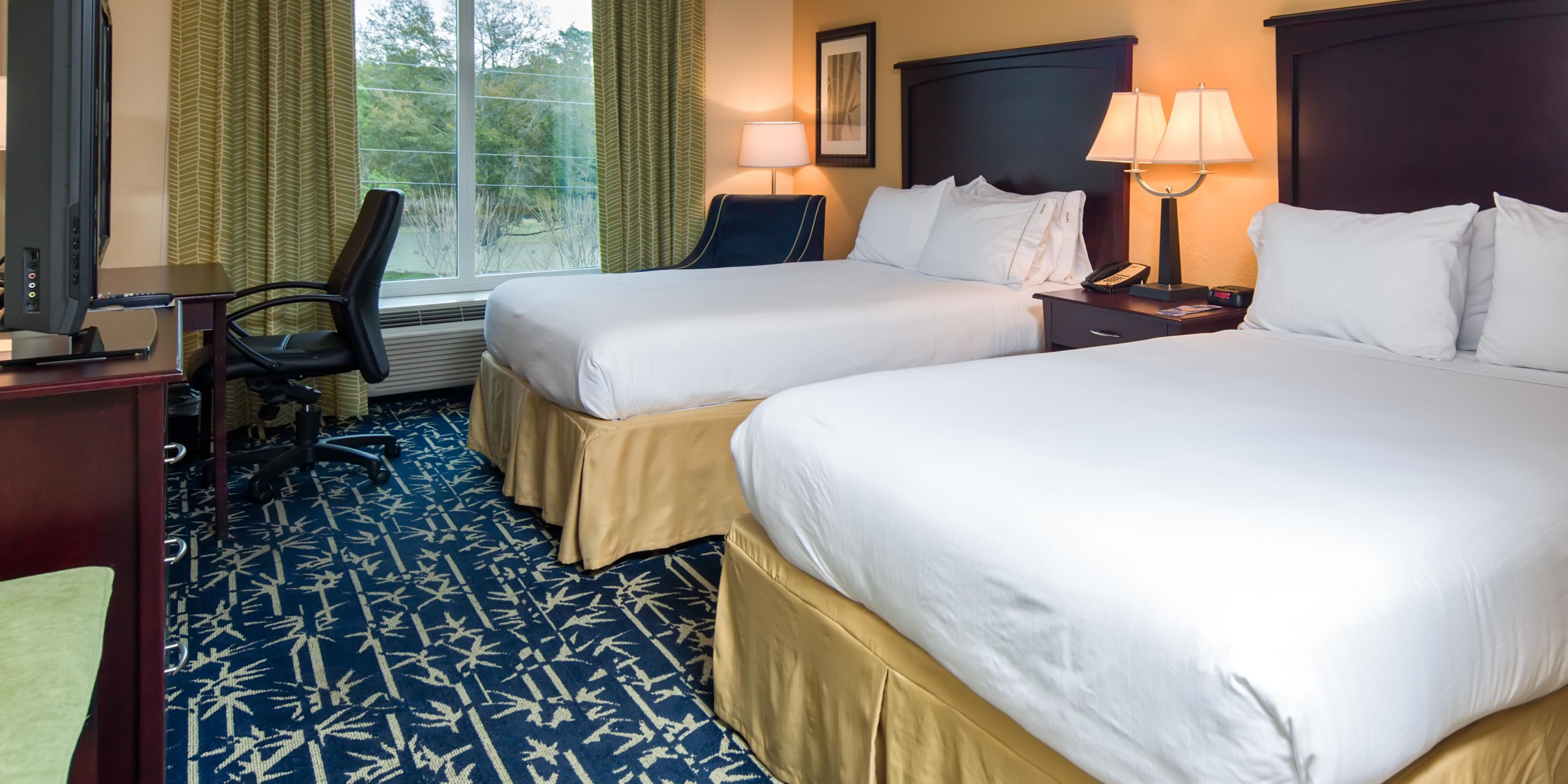 Holiday Inn Express And Suites Apopka 3687071149 2x1