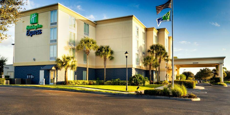 Holiday Inn Express Suites Arcadia Ihg Hotel