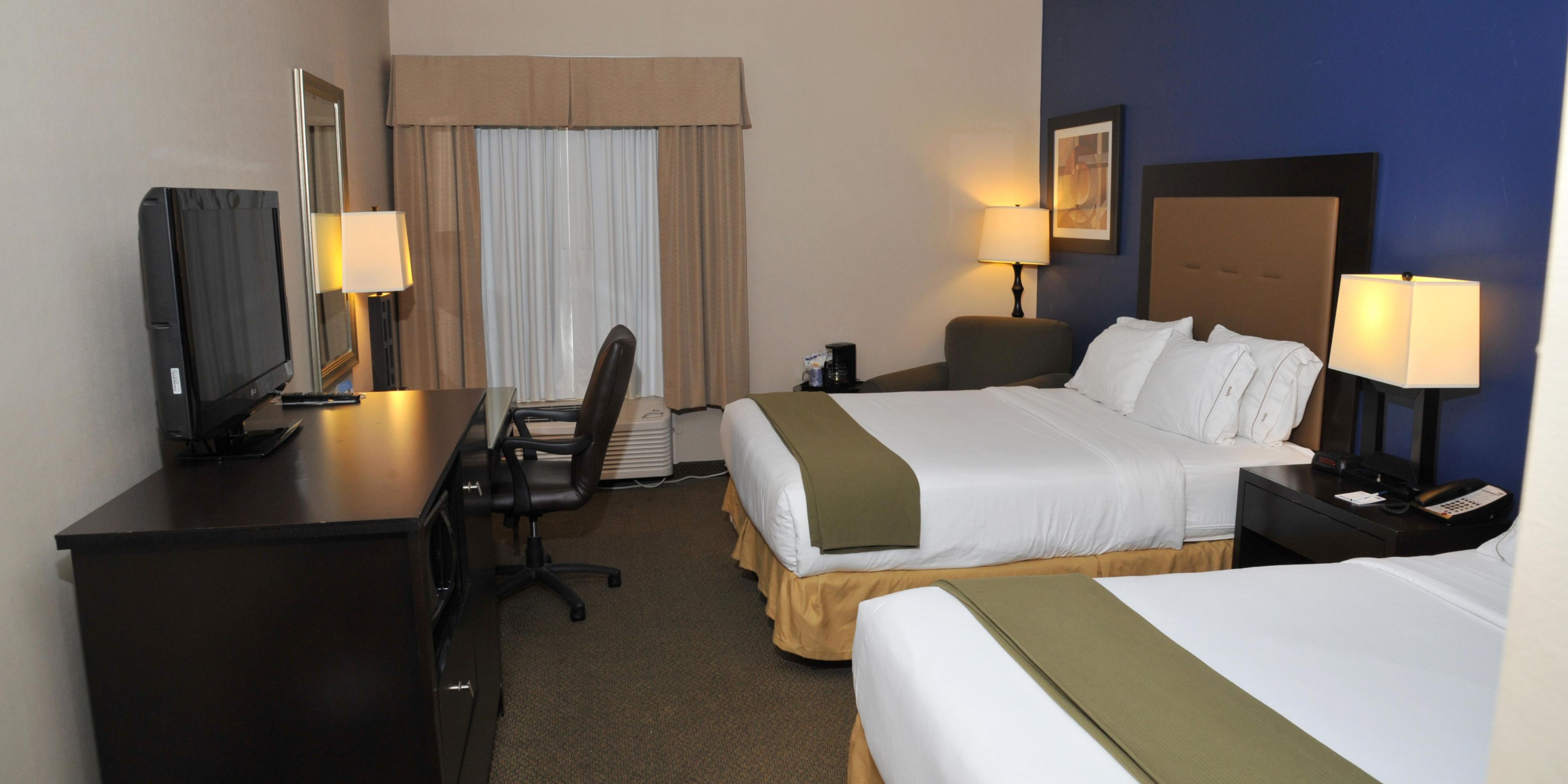 Holiday Inn Express And Suites Ashland 2532866583 2x1