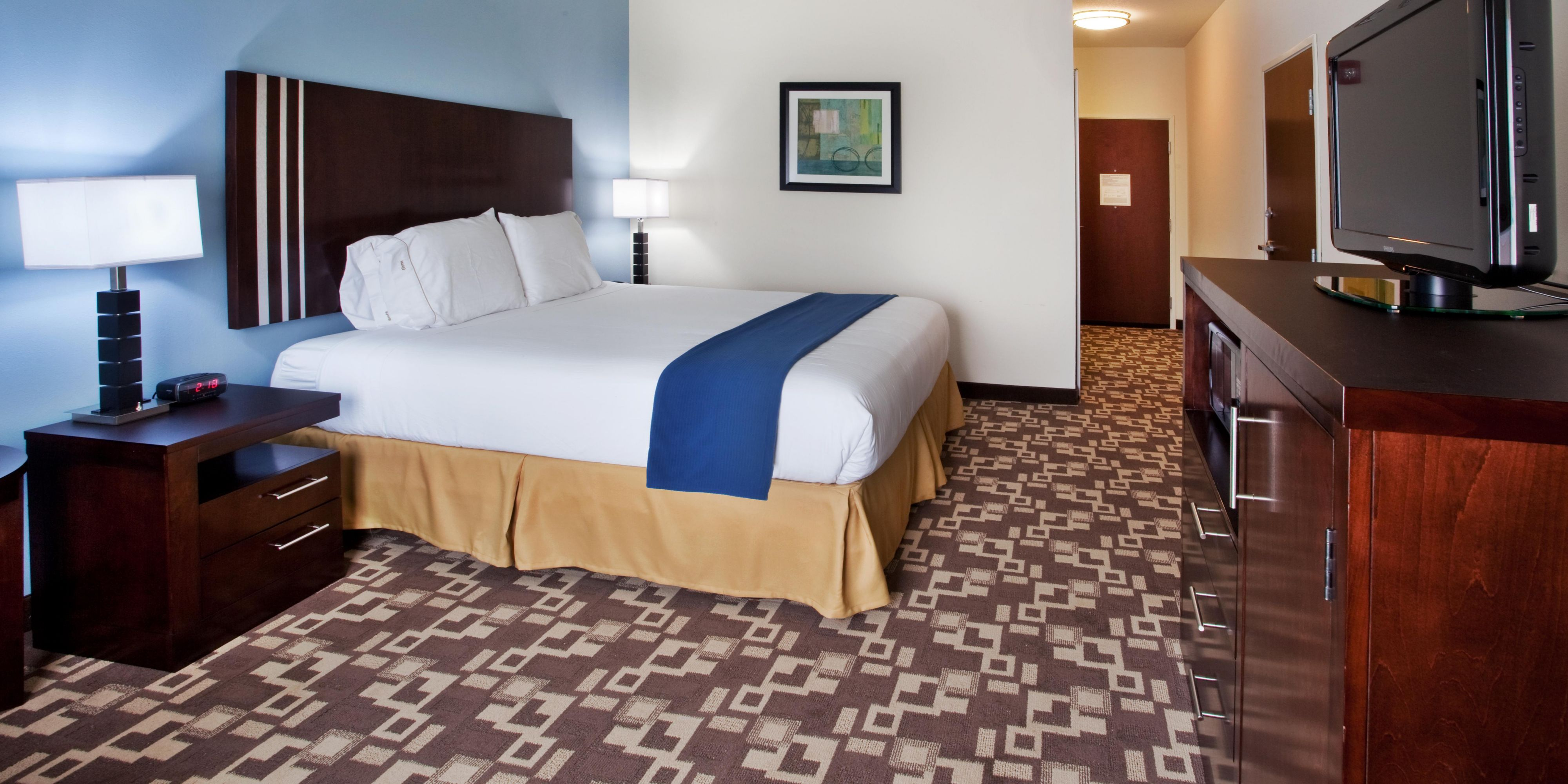 Holiday Inn Express & Suites Atlanta Arpt West Camp Creek Hotel