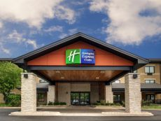 Holiday Inn Express & Suites Aurora - Naperville in Oswego, Illinois