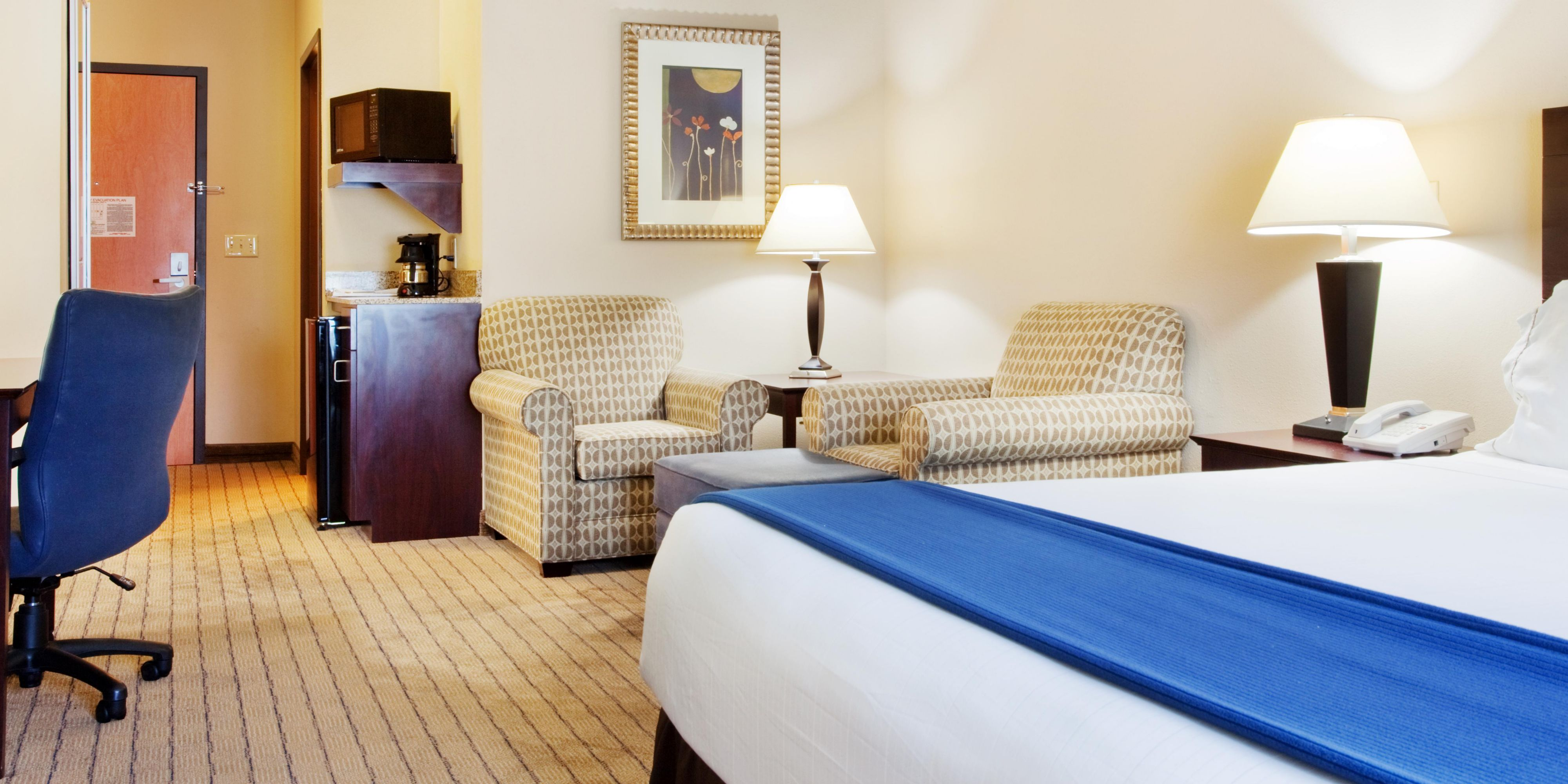 Holiday Inn Express And Suites Austell 2533233591 2x1