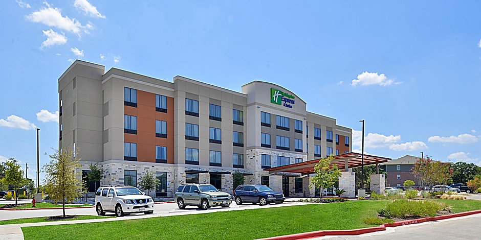 Hotels Near South Congress On I-35 | Holiday Inn Express
