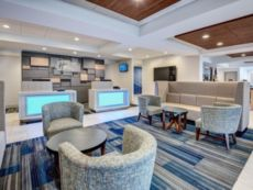Holiday Inn Express & Suites Woodbridge in Staten Island, New York