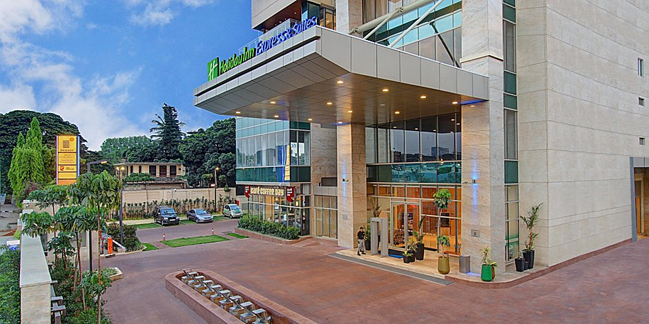 Holiday Inn Express & Suites Bengaluru Racecourse Hotel in