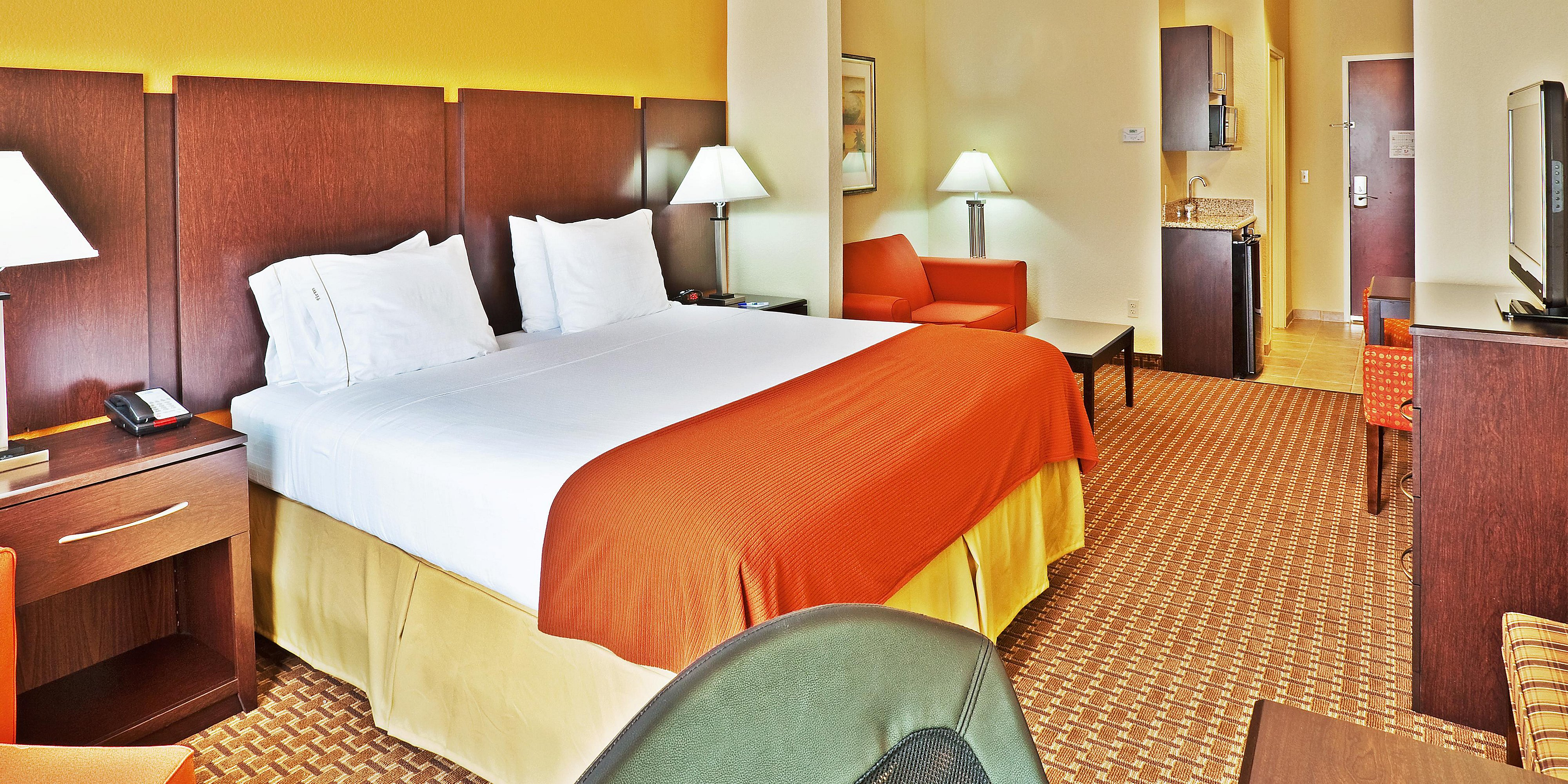 Holiday Inn Express And Suites Bartlesville 2532214081 2x1