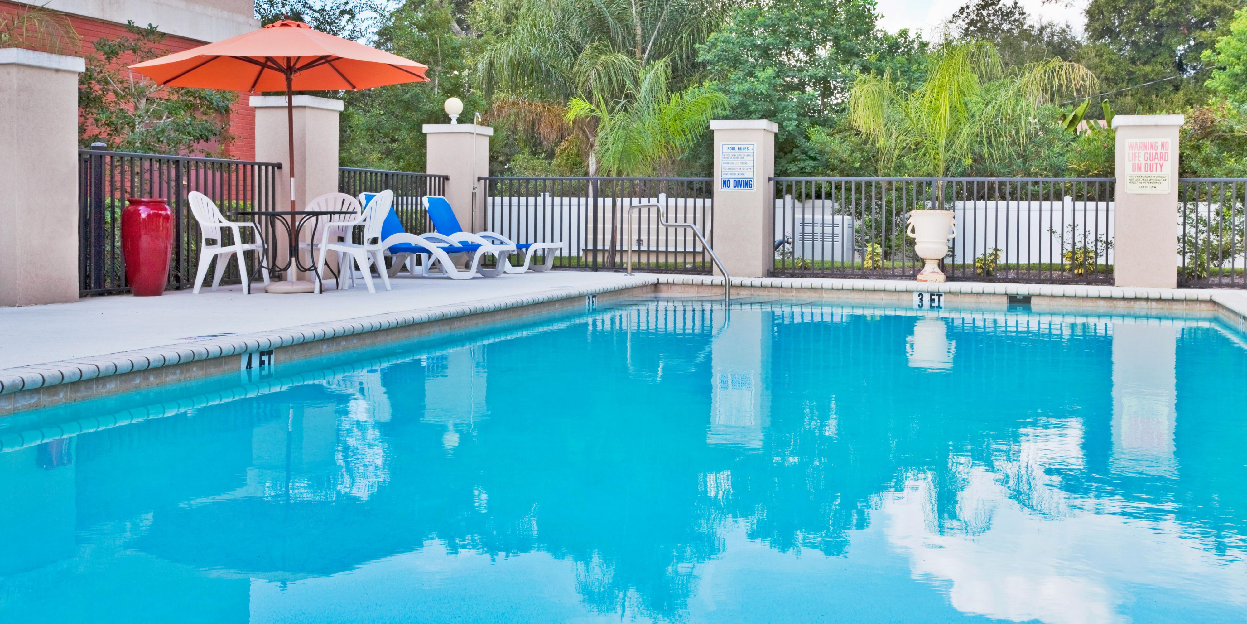 Holiday Inn Express And Suites Bartow 2531943623 2x1