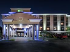 Holiday Inn Express & Suites Bartow in Plant City, Florida