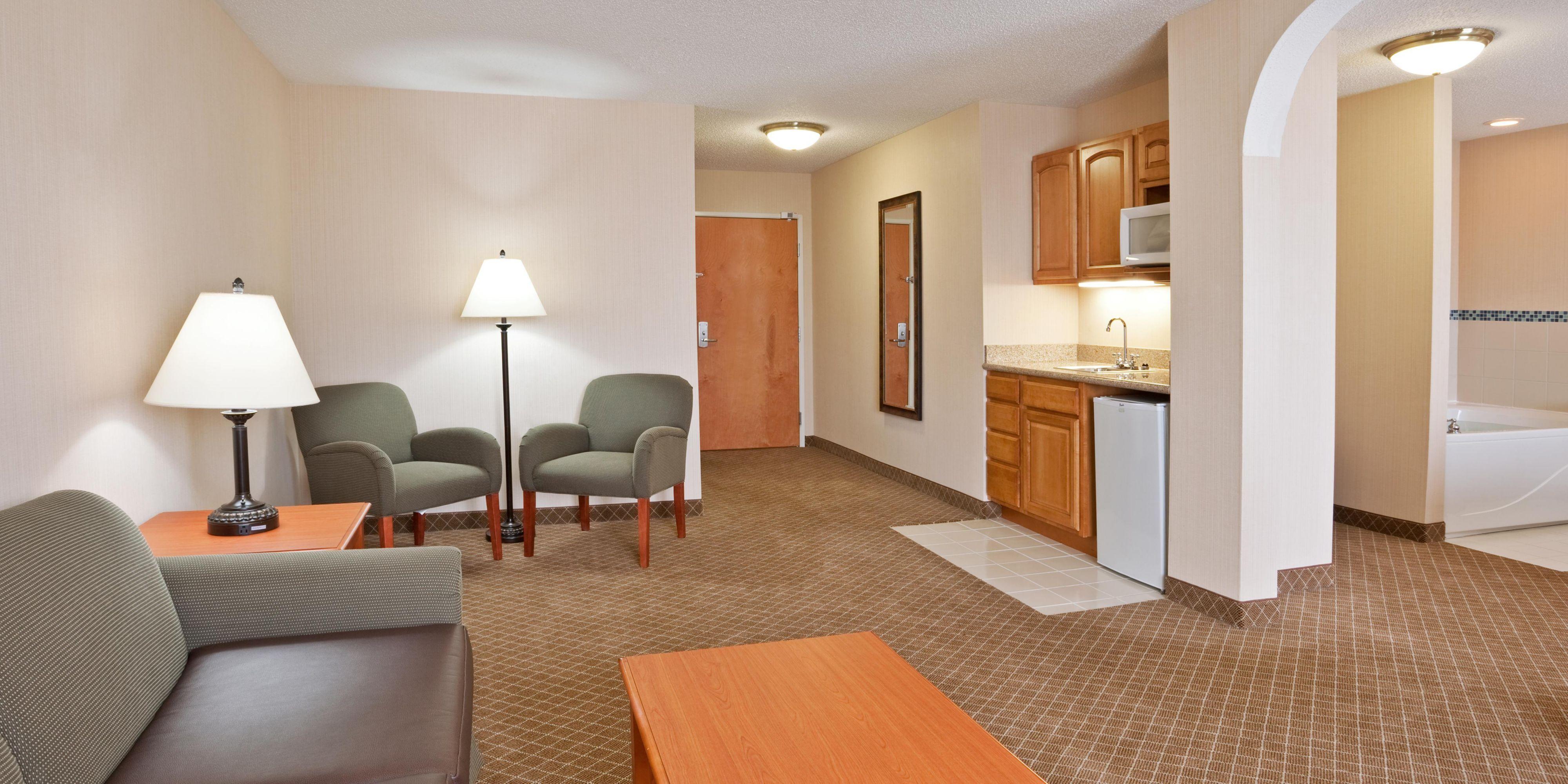 Holiday Inn Express U0026 Suites Bay City