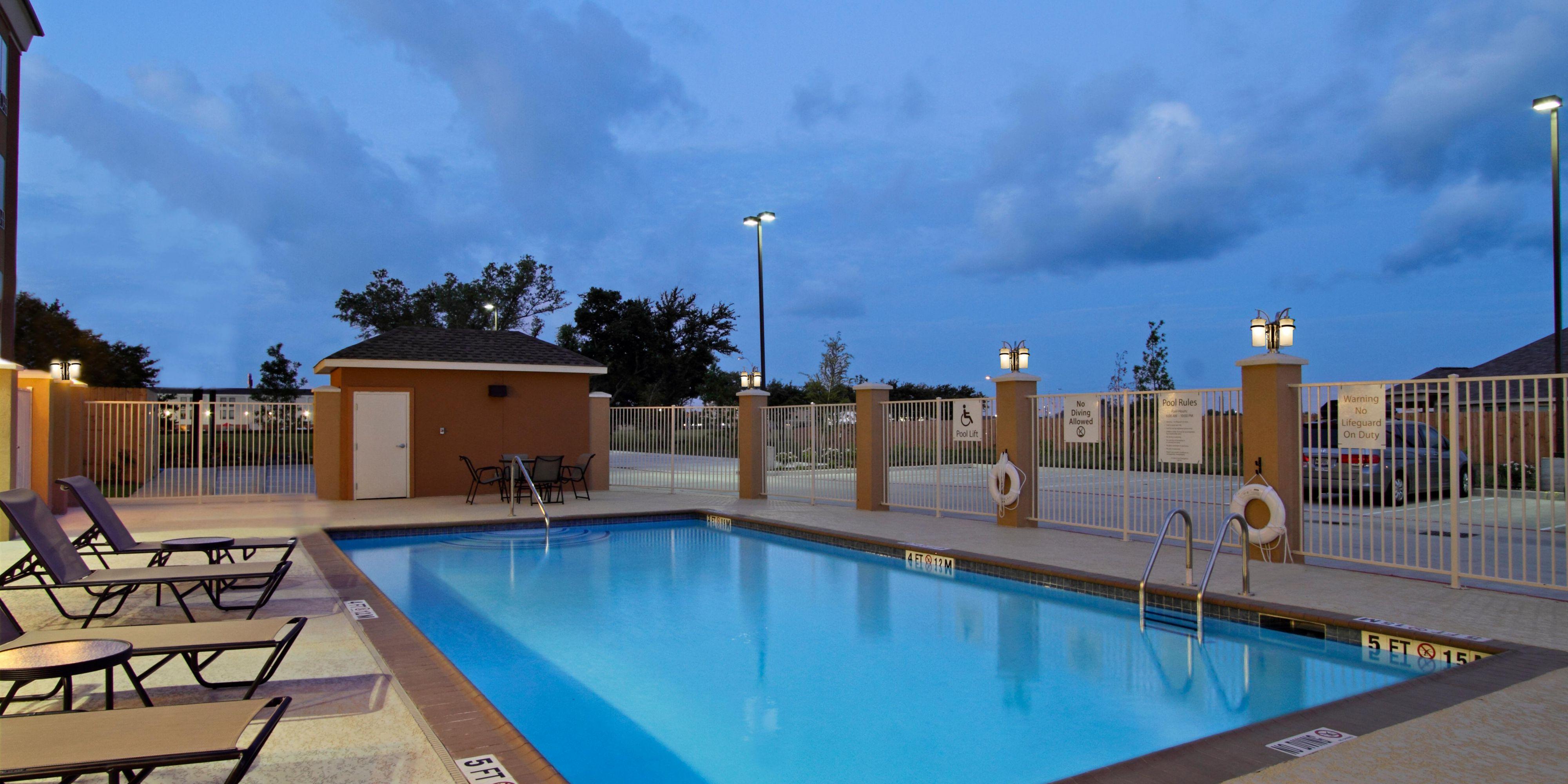 Holiday Inn Express Suites Houston East Baytown Hotel By IHG - Bays inn baytown