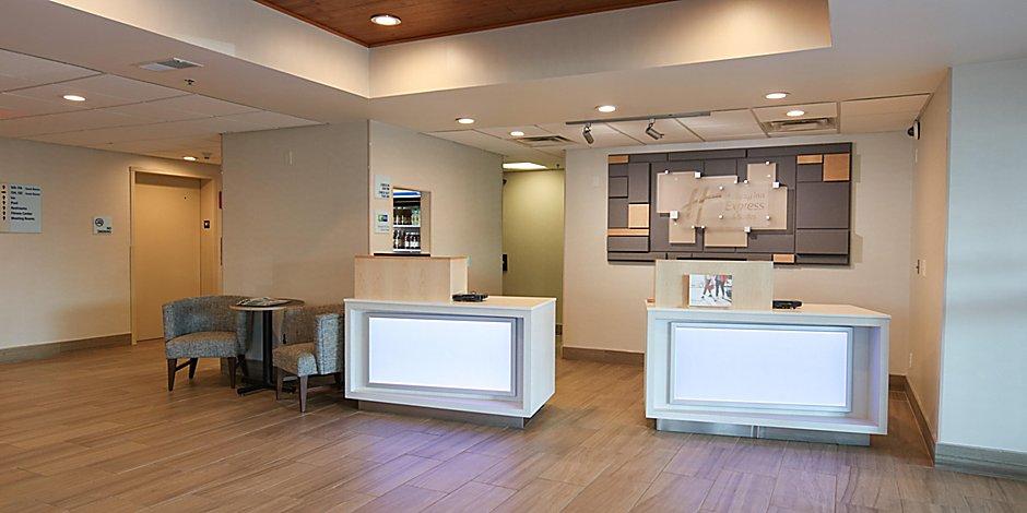 Holiday Inn Express Suites Cincinnati Se Newport Hotel By Ihg