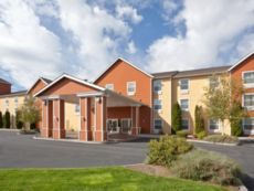 Holiday Inn Express & Suites Bend in Redmond, Oregon