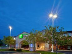 Holiday Inn Express & Suites Benton Harbor in Niles, Michigan