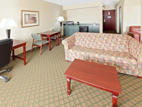 2 Queen 2 Room Suite