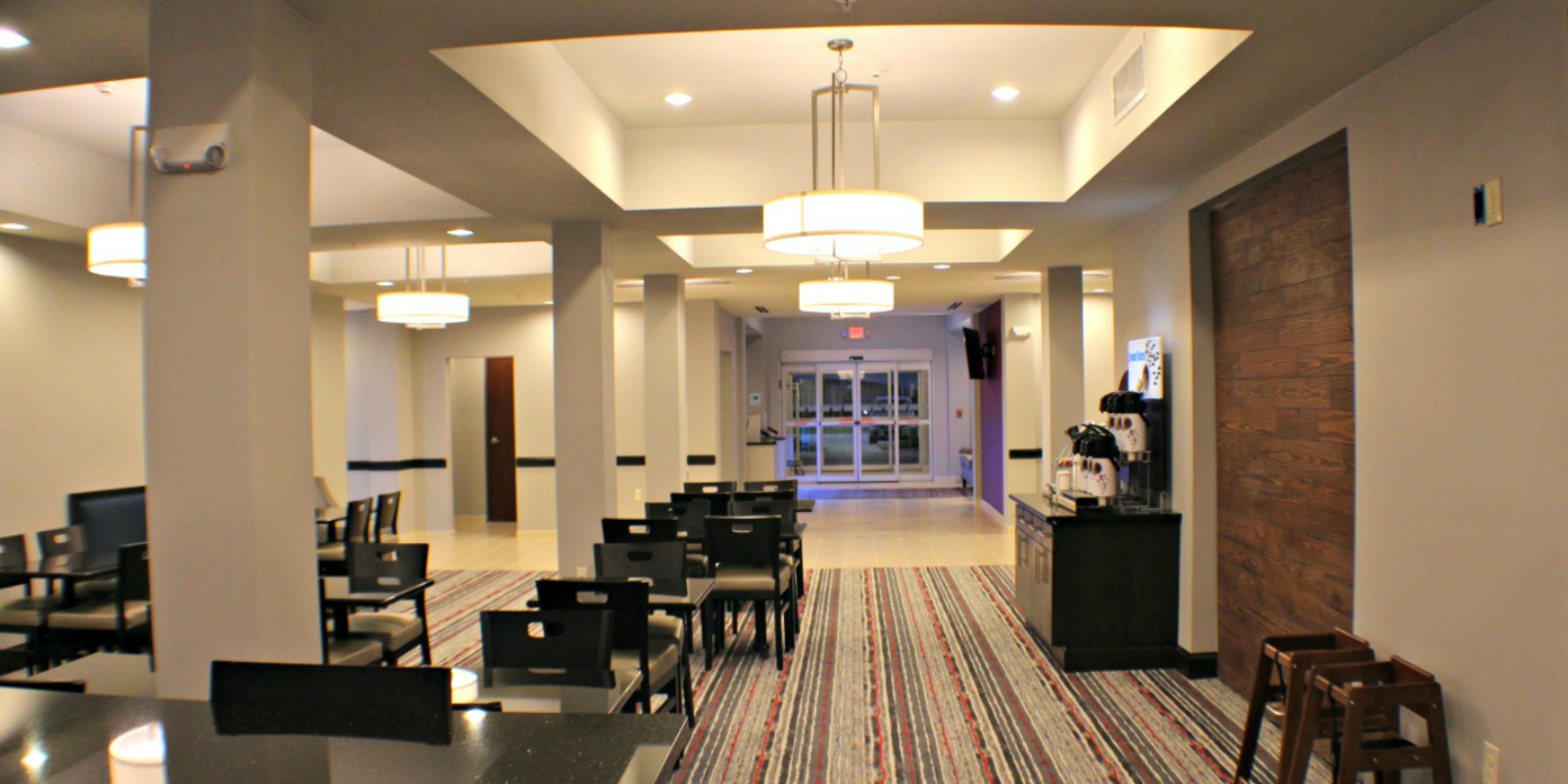 Holiday Inn Express And Suites Bonham 4367255461 2x1