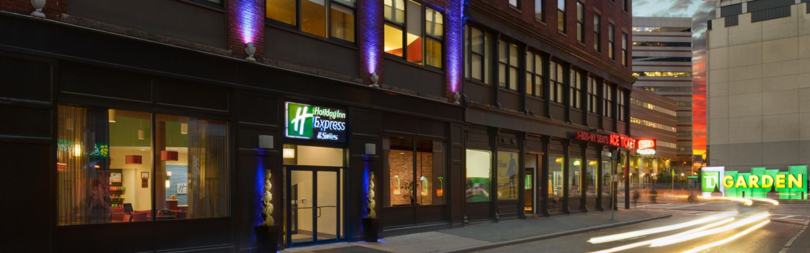 Holiday Inn Express & Suites Boston Garden - Bostonのホテルを予約