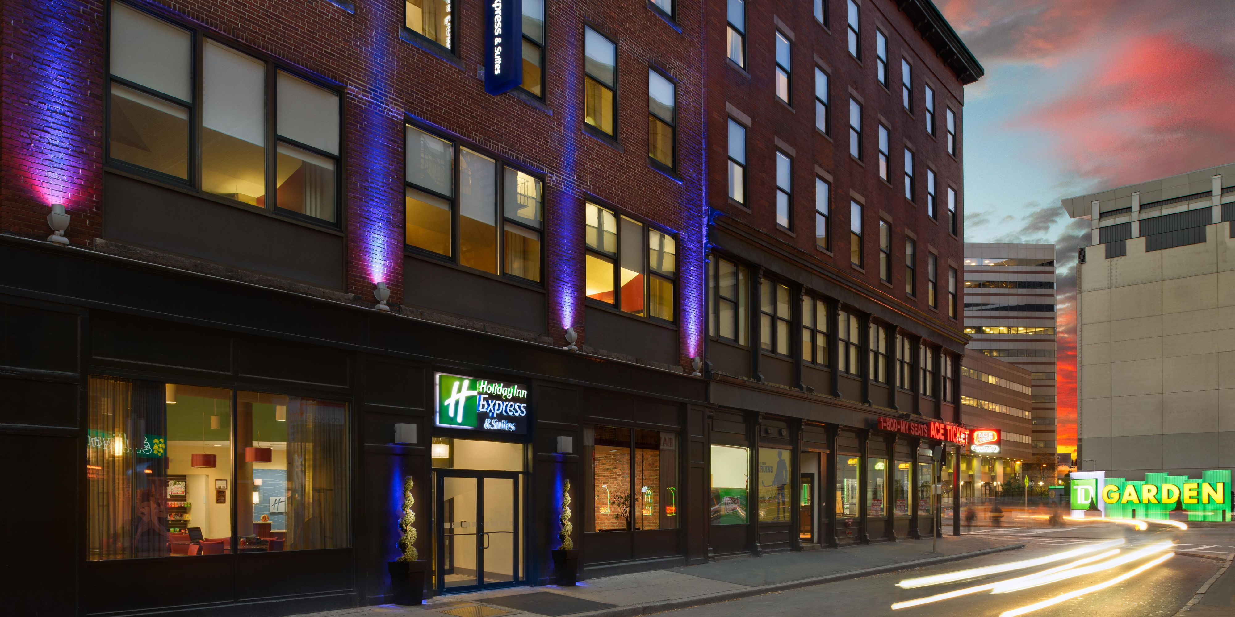 Holiday Inn Express Suites Boston Garden Hotel by IHG