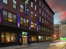 Holiday Inn Express & Suites Boston Garden in Boston, Massachusetts