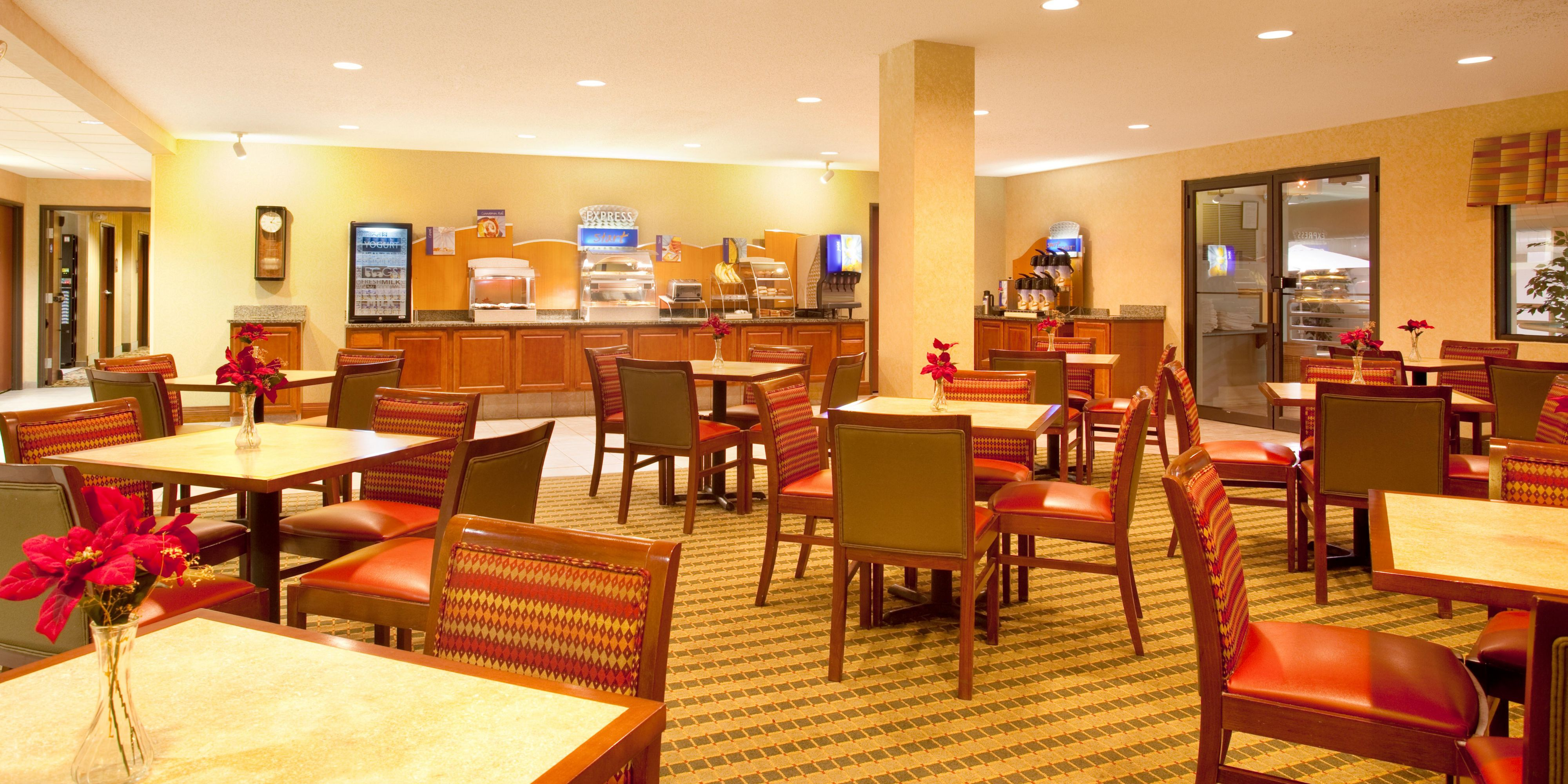 Holiday Inn Express And Suites Bourbonnais 4281621020 2x1