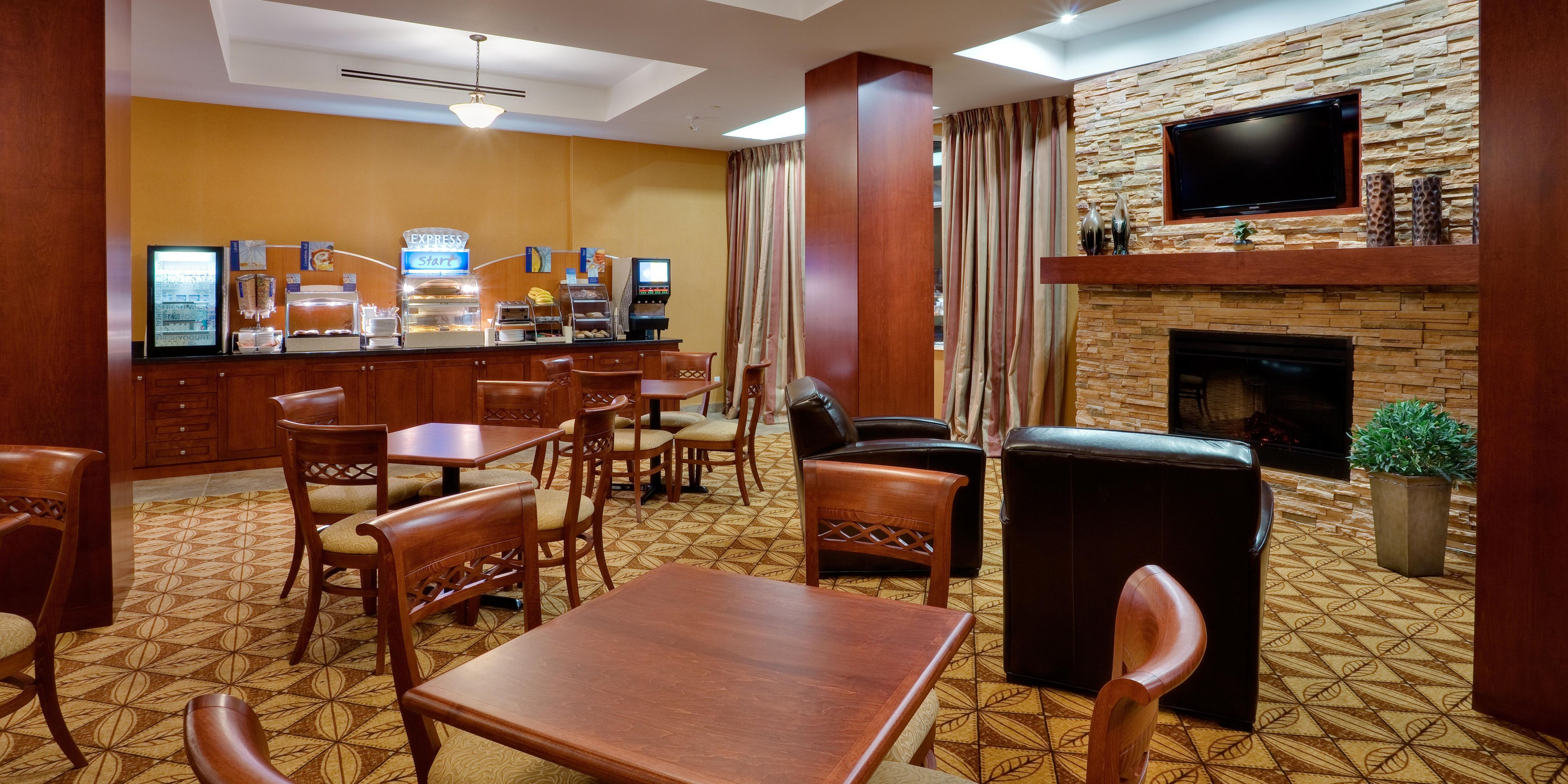 Holiday Inn Express And Suites Bowmanville 4334962694 2x1