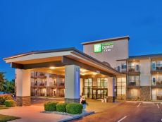 Holiday Inn Express & Suites Branson 76 Central in Branson, Missouri