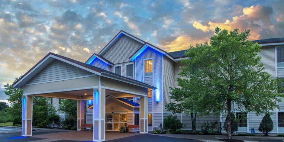 Hotel Entrance Evening Exterior