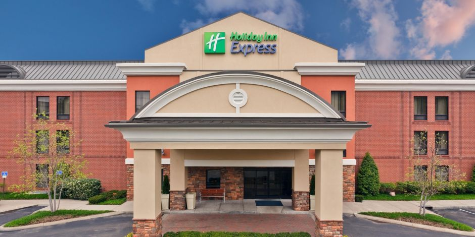 Front Desk Welcome To Music City 39 S Holiday Inn Express And Suites Bwood Conveniently Located I 65